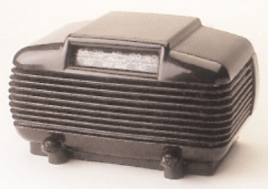 Radio Mighty Monarch of The Air. Designer: Anonym. Producent: Majestic. Materiale : Barkelit, ca. 1930.