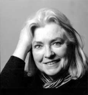 2 INTRODUCTION Gillian Clarke was born in Wales, UK, 1937. Besides being a poet she is also a playwright and translator (from Welsh).