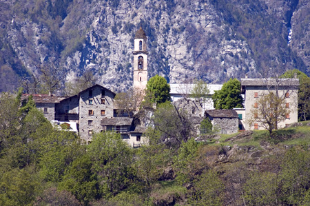 "Uschione Beyond the ""Deserto"" (whose name comes from an old tavern where today there is the Istituto Don Guanella) a mule track starts and goes, step by step, to Uschione, passing through the green"
