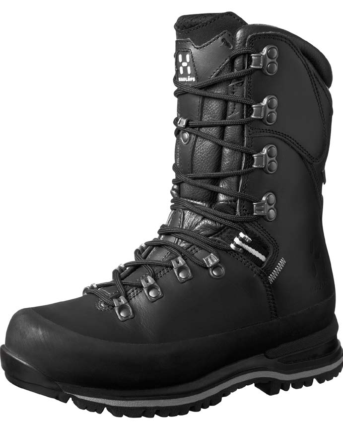 HAGLÖFS GRANIT HI GT MEN A stable boot for advanced hiking and for those who prefer a higher shaft that provides protection against the surrounding elements.