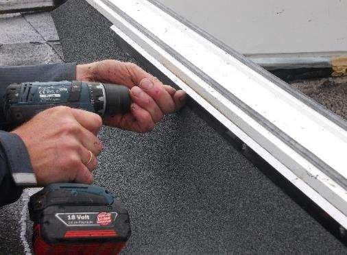 pakning/ Direct heat when doing the roofing felt can